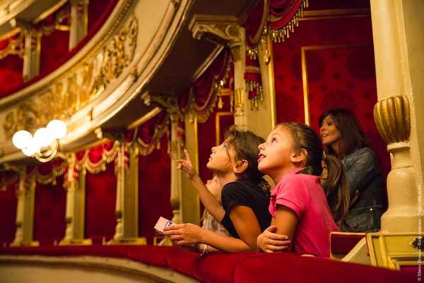 bambini alla Scala