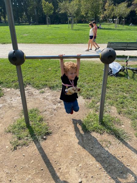 bambino a parco Sempione