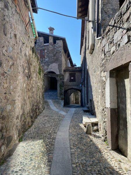 Strada centro medievale