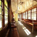 Interno di un tram di Milano